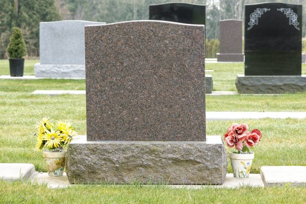 How to Choose the Perfect Memorial Headstone for Your Loved One