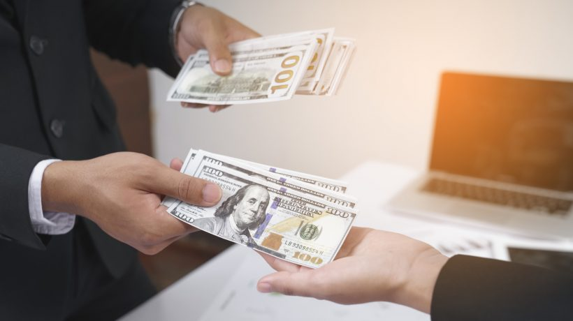 Weighing You Options: Understanding the Pros and Cons of Cash Loans
